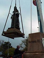 Queen Victoria Statue, 2005